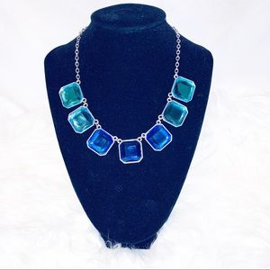 SHADES OF BLUE Elegant Statement Necklace